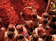 Tradicional tomatina en Bunyol
