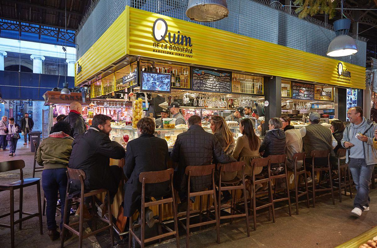 Taburetes llenos del Quim. Foto: Xavier Torres Bacchetta