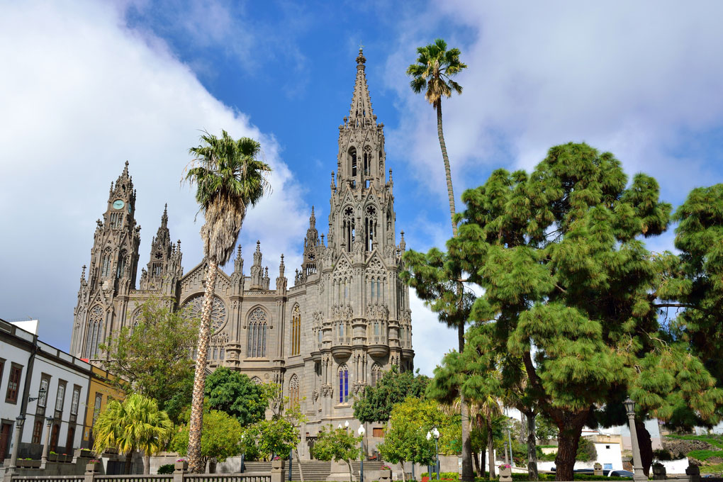 Iglesia de San Juan Baustista en Arucas (Gran Canaria). Foto: Shutterstock