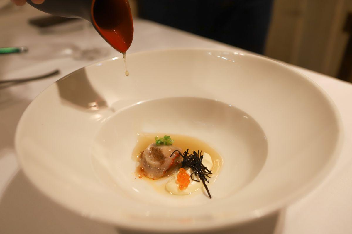 Un plato del restaurante Casa Urola. Foto: Yoana Salvador