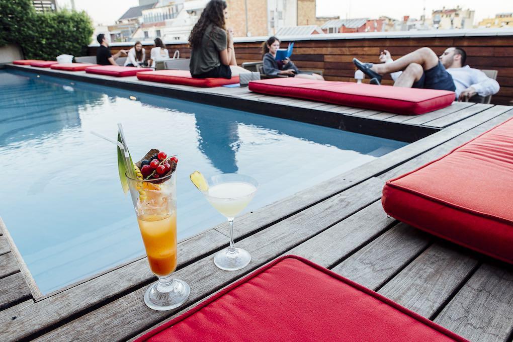 Piscina de la terraza del hotel Omm. Foto: César Cid