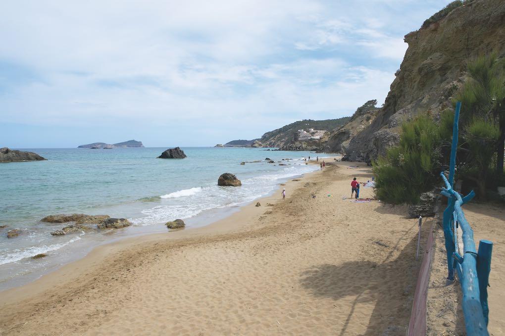 Playa Aigües Blanques. Foto: Fundación de Promoción Turística de Ibiza / Xavier Duràn