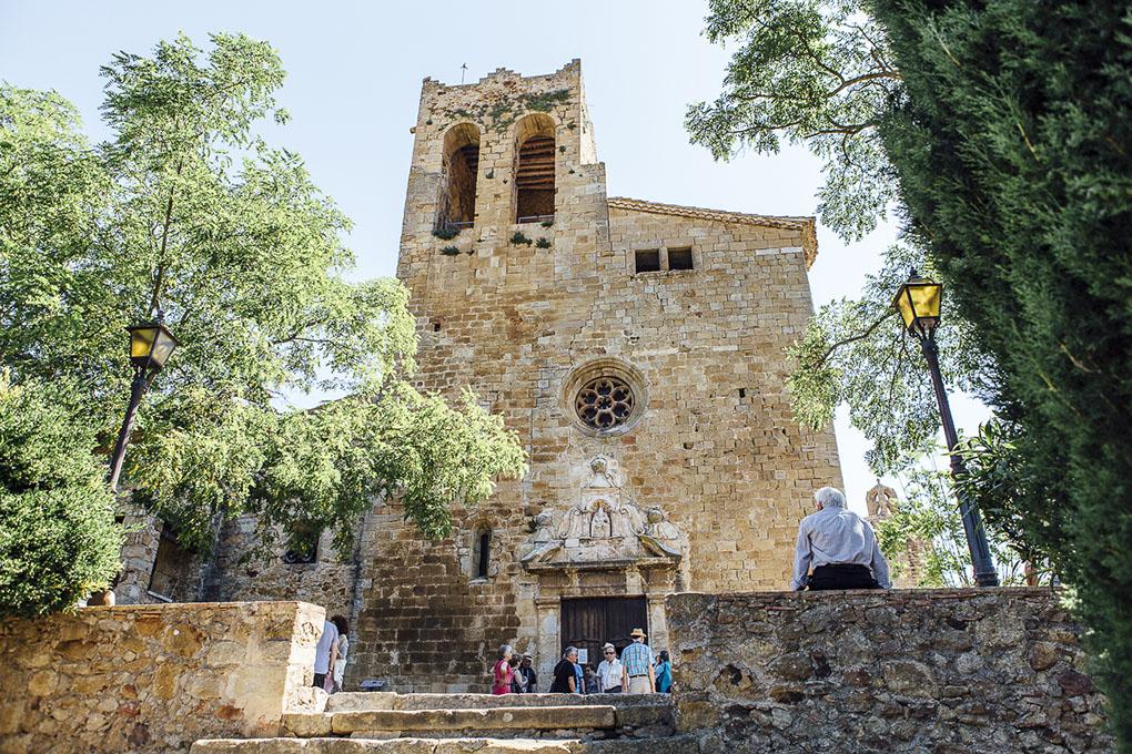 Pals (Bajo Ampurdán, Baix Empordà) - iglesia de San Pedro - Foto: César Cid