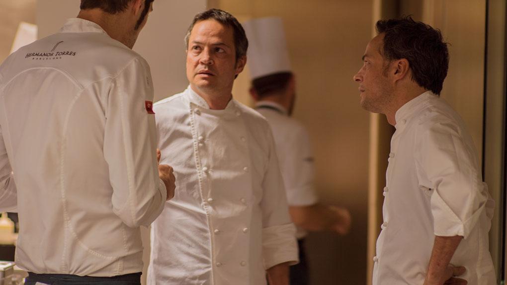 Los hermanos Torres en la cocina