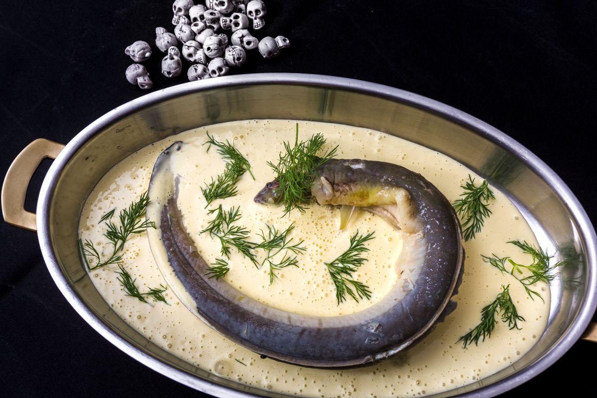 Plato de anguila en salsa de pistou de eneldo. Foto: David de Luis