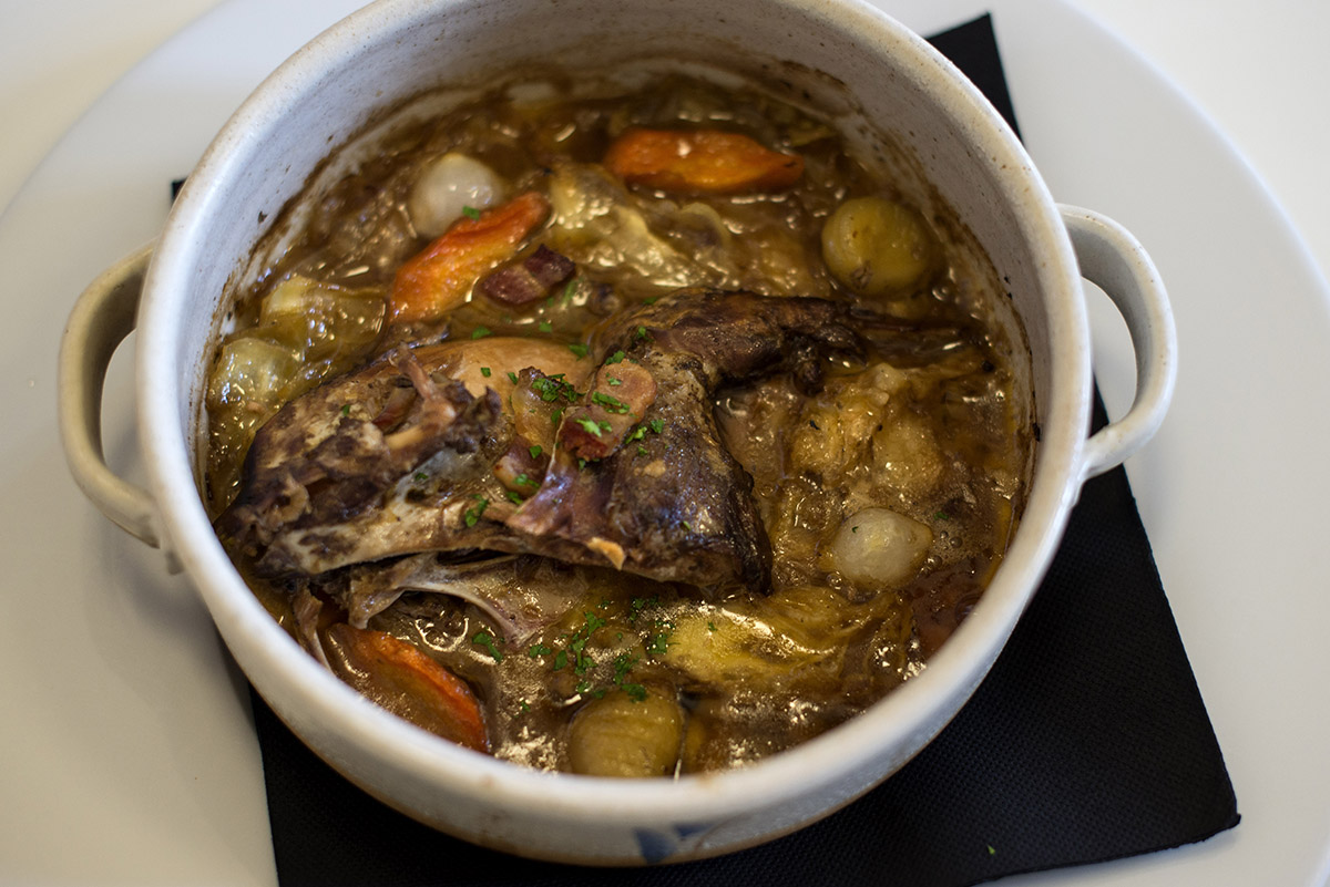 Restaurante Lera. perdiz con berza y castañas. Foto- Alfredo Cáliz