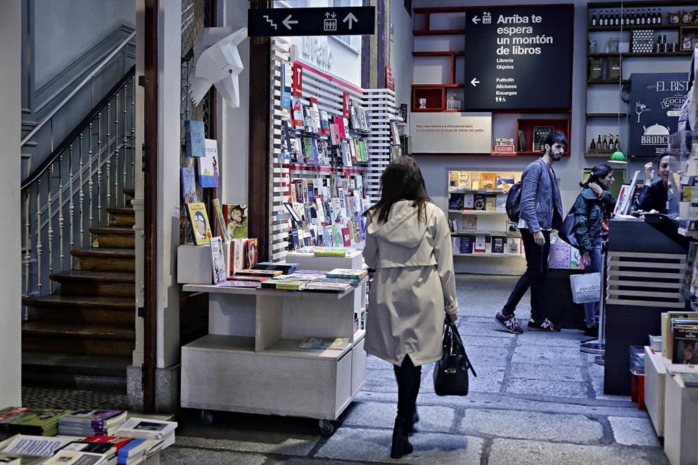 Librerías de Madrid: Entrada de La Central de Callao. Foto: Roberto Ranero