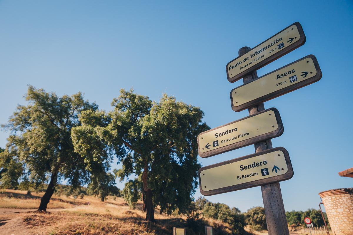 Puntos informativos del parque natural de la Sierra Norte de Sevilla. Foto: Javier Sierra