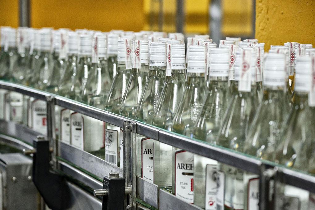 Ron Arehucas (Arucas, Gran Canaria). Botellas de carta blanca. Foto: Roberto Ranero