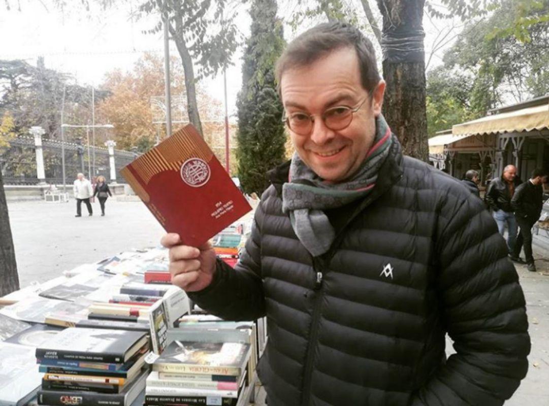 En el mercadillo de libros de Cuesta de Moyano. Foto: Facebook