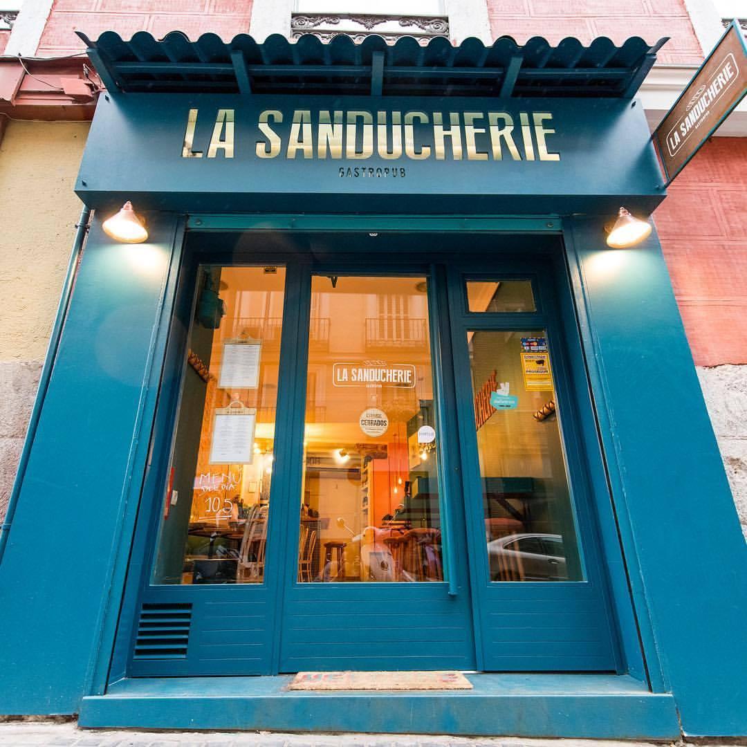 La entrada a La Sanducherie. Foto: Facebook
