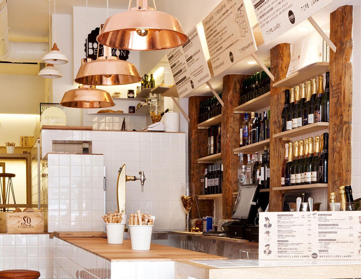 Tres barrios foodies de Madrid (Inspiraciones). Bocadillo de Jamón y Champán