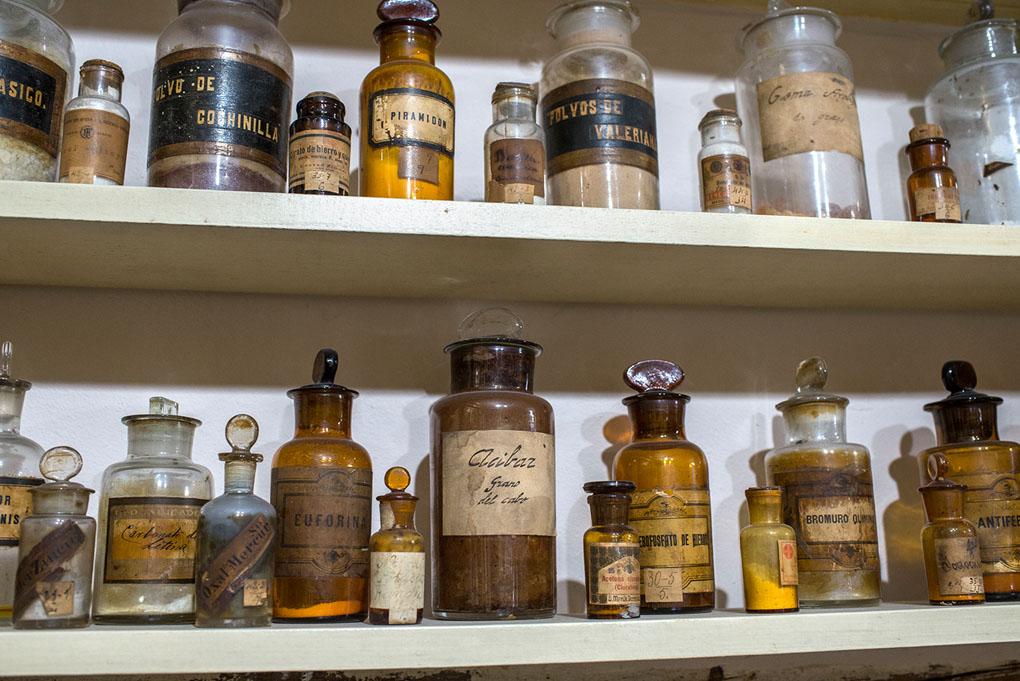 botes de la farmacia Deleuze