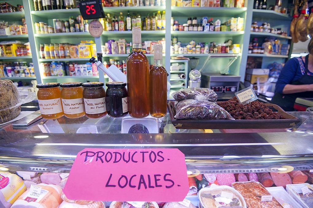 Mercado Municipal Javea - miel y pasas - Foto: Rafa Molina