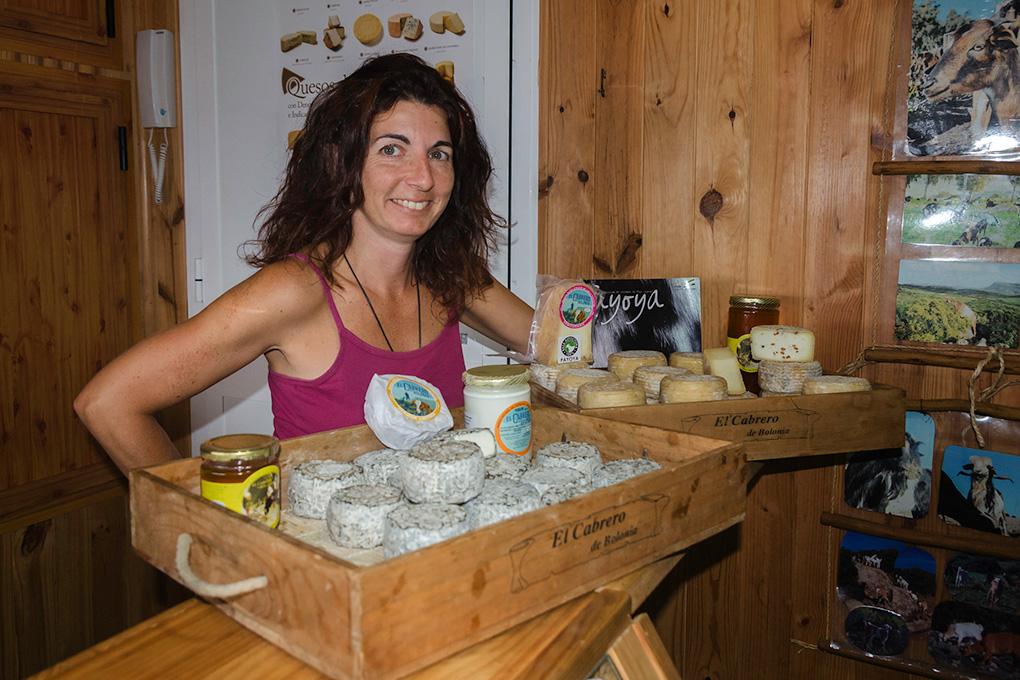 Tarifa: Inmaculada, dueña de la quesería 'El Cabrero de Bolonia'. Foto: Stefan Schmidt