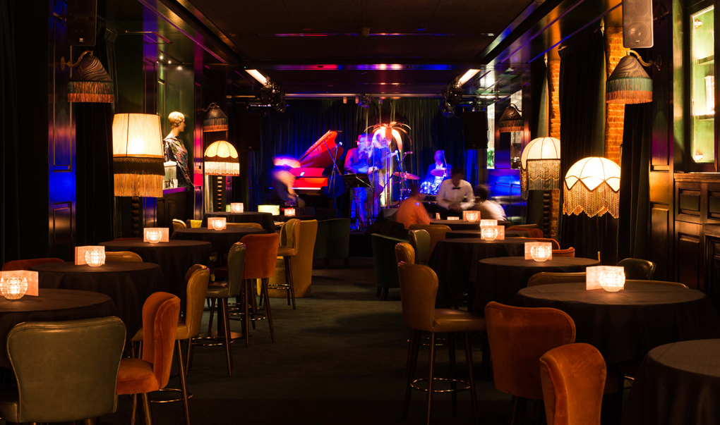 La planta baja del restaurante Amazónico esconde un club de jazz a lo 'Lalaland'