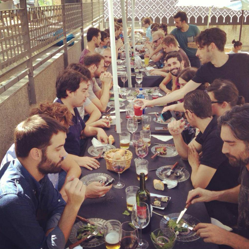 De comila en Vitoria con Fuel Fandango. Foto: Fuel Fandango