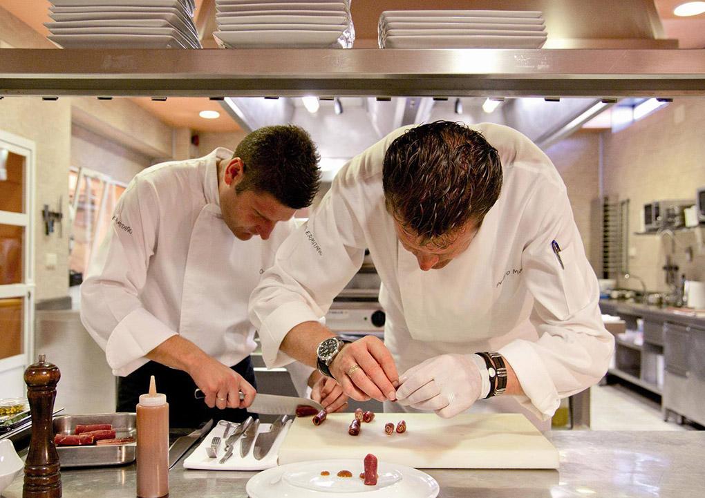 Cocineros trabajando en el Ermitaño