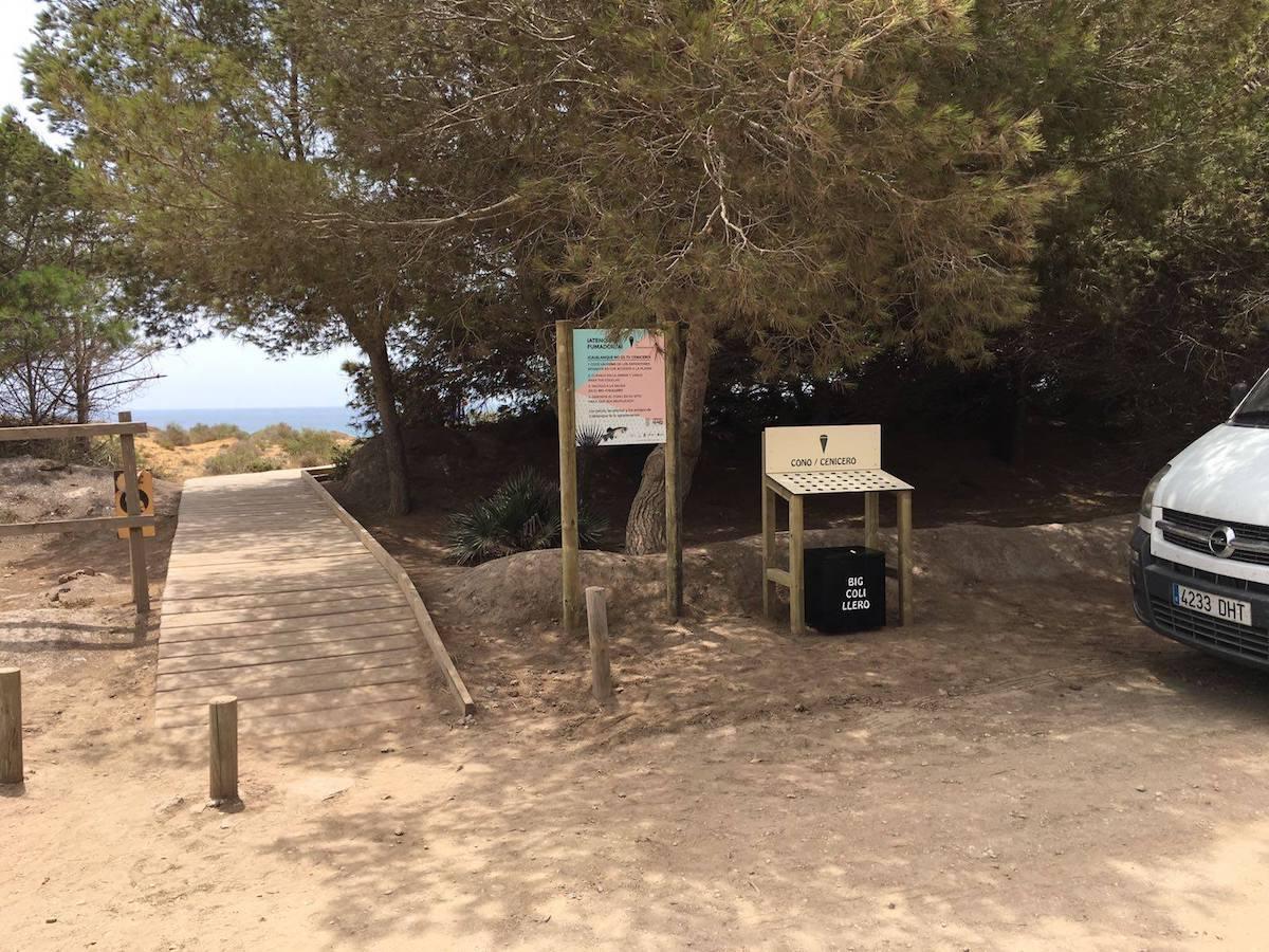 Pasarela que entra a una de las playas del parque regional de Calblanque. Foto: Facebook