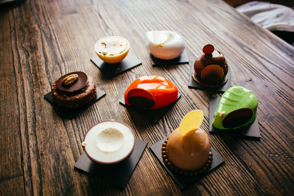 Algunos de los exóticos pasteles del local. Foto: Rocío Eslava