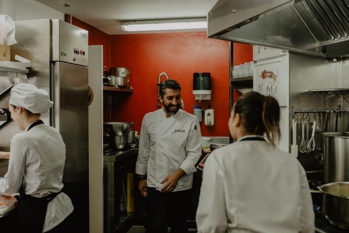 Buen rollo en la cocina. Foto: Clara Vilar