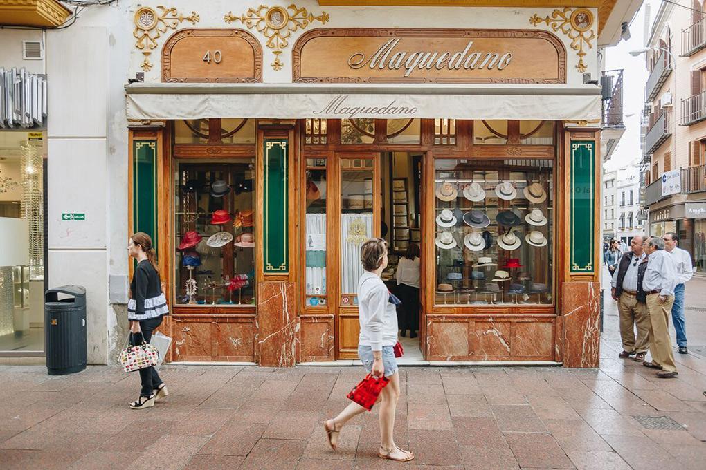 Sombrerería Sevilla, fachada tienda