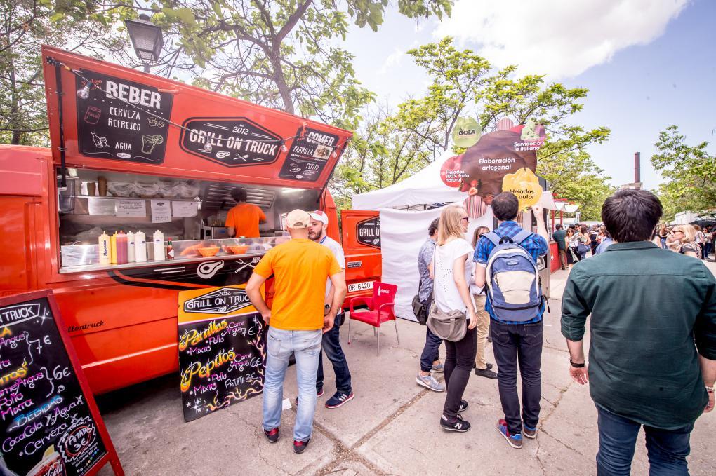 A los 'food trucks', este año se une el restaurante hamburguesería Costello.