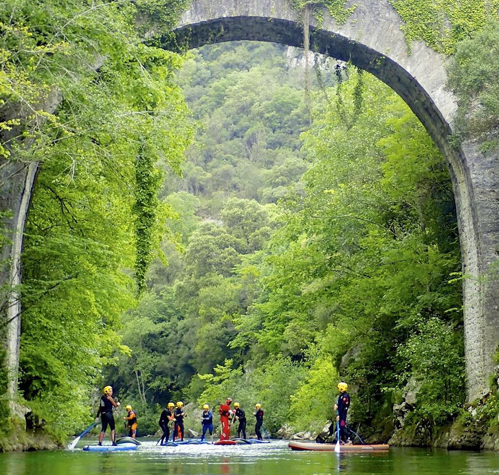 ¿Te atreves a enfrentarte a los rápidos de un río sobre una tabla? Foto: SUP Dreamers
