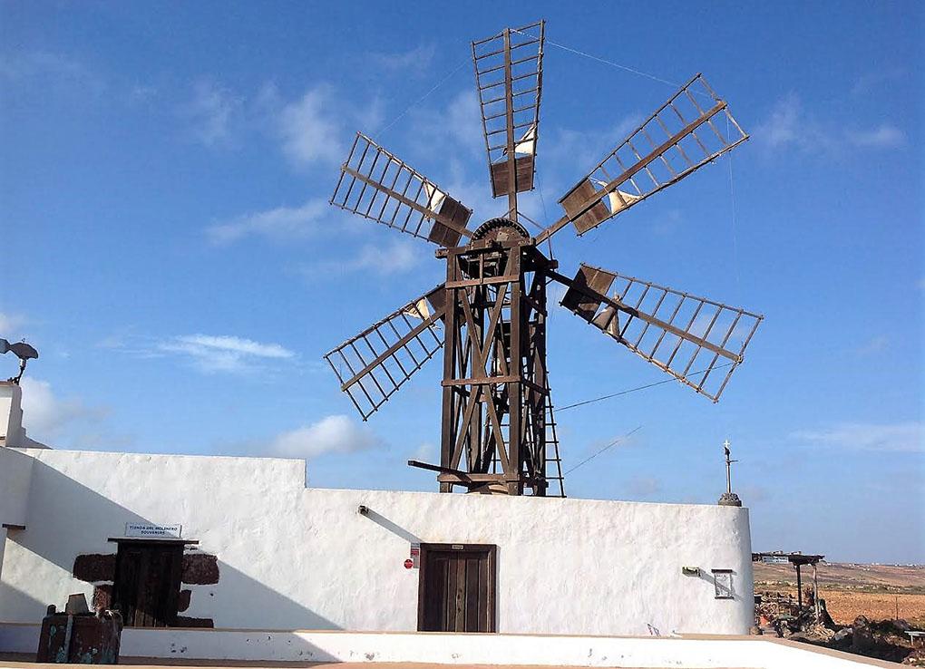 Molinas de gofio: Exterior de la molienda La Alamada. Foto: Charo Barea