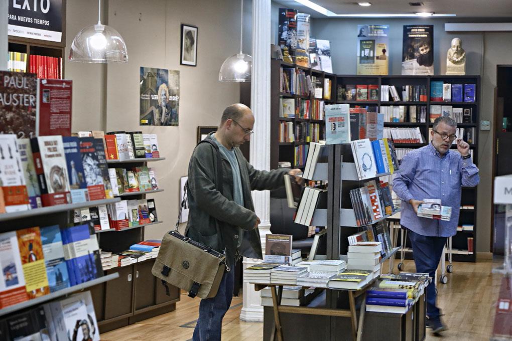 Librerías de Madrid: Interior de Librería Méndez. Foto: Roberto Ranero