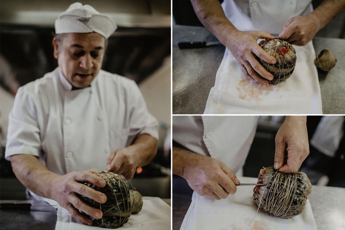 En el restaurante Os Pirús, empaquetando la lamprea. Foto:Nuria Sambade