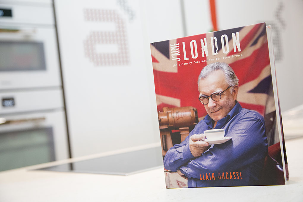 Libros sobre cocina: portada de 'J'Aime London. 100 Culinary Destinations for Food Lovers'. Foto: A Punto Librería