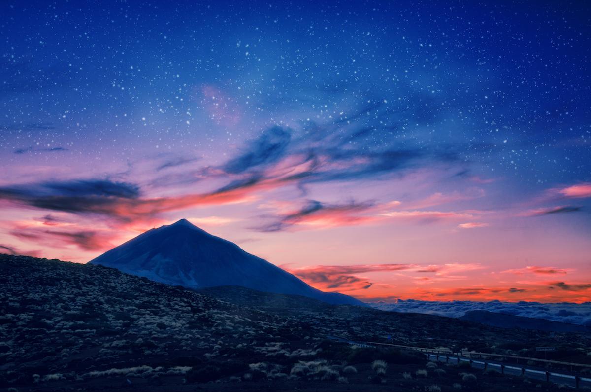 El volcán el Teide de noche. Foto: Shutterstock