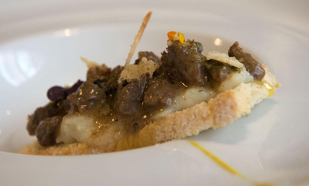 Ciervo sobre pan de Cruz. Foto: Manuel Ruiz Toribio