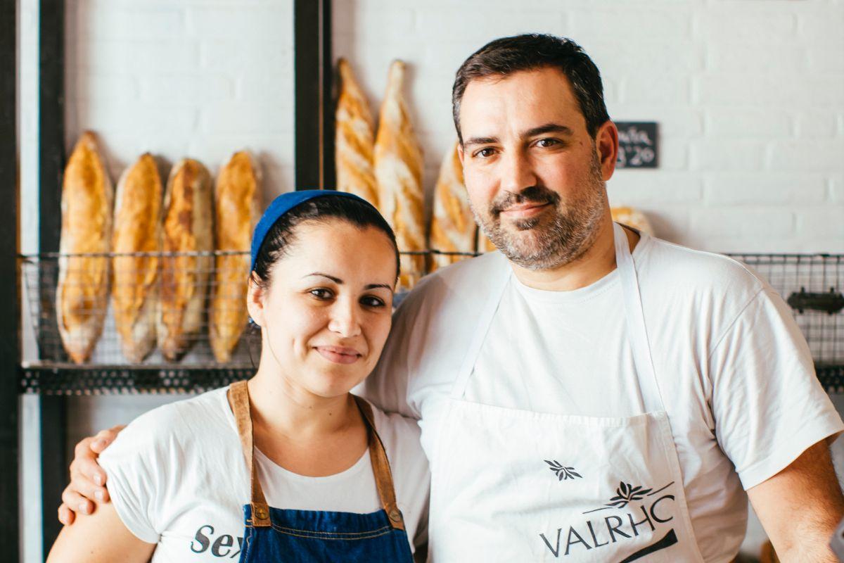 Alexis García y Marlene Hernández en 100% Pan y pastelería, en Tenerife. Foto: Rocío Eslava