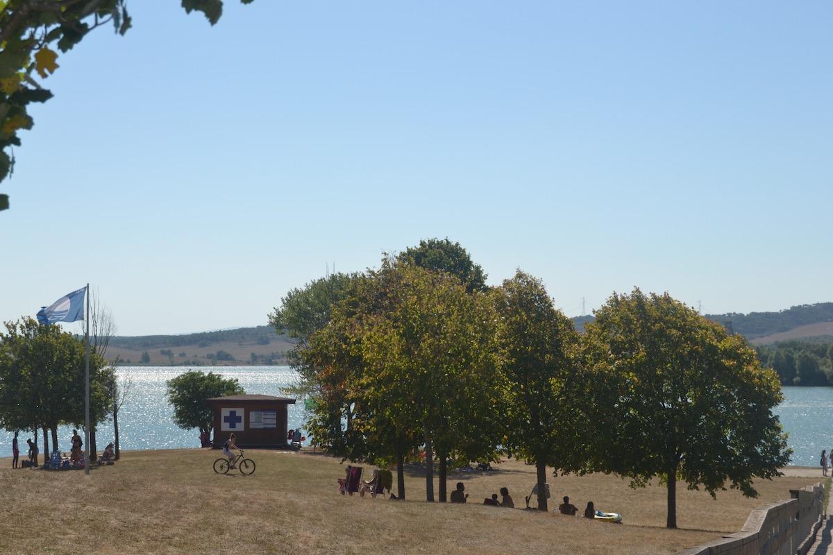 """Zona de """"playas"""" en el parque provincial de Garaio. Foto: Júlia Manresa"""