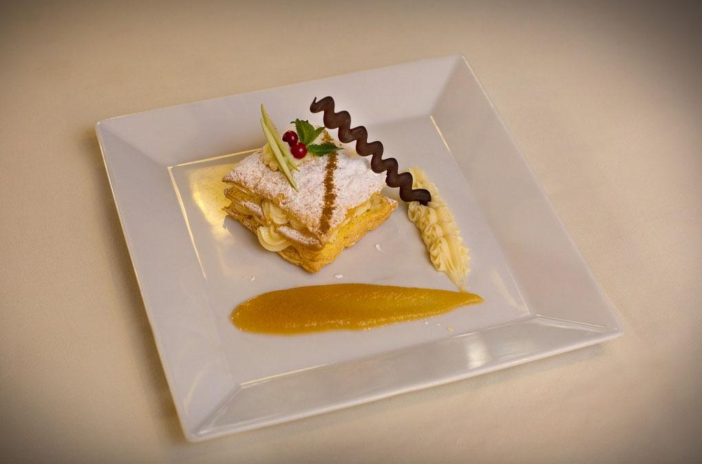 Restaurante de San Vicente de la Barquera: Augusto - milhojas de crema - Foto cedida.