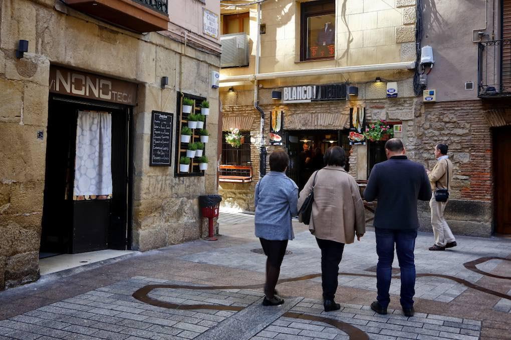 Exterior del bar Blanco y Negro en la calle Laurel, Logroño. Foto: Roberto Ranero