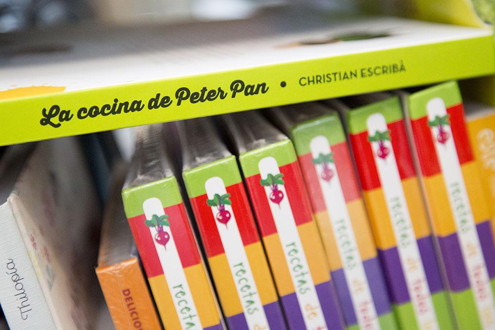 Libros sobre cocina: ejemplares de 'La Cocina de Peter Pan'. Foto: A Punto Librería