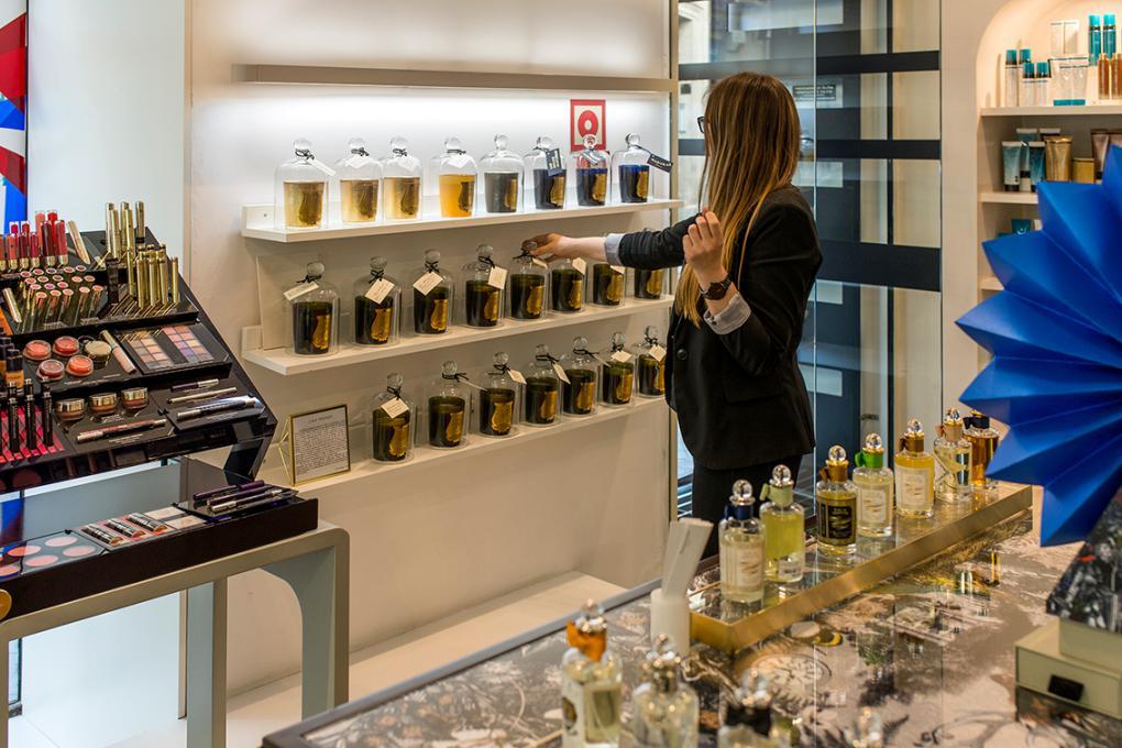 La cosmética ocupa un lugar importante en Isolée. Los complementos o los productos 'gourmet', también.