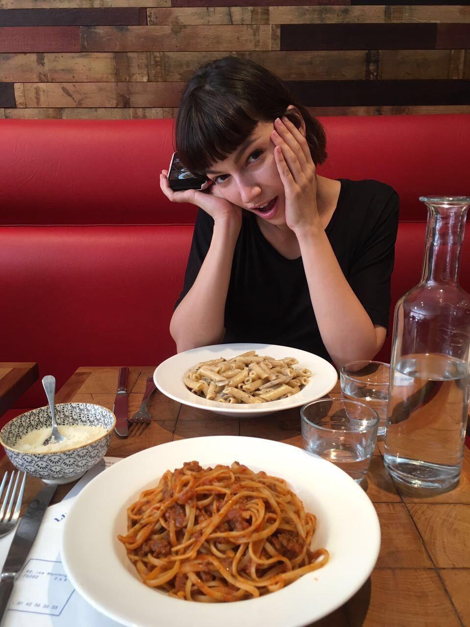 Frente a un plato de pasta. Foto: cedida