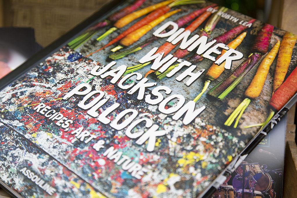 Libros sobre cocina: portada de 'Dinner With Jackson Pollock'. Foto: A Punto Librería