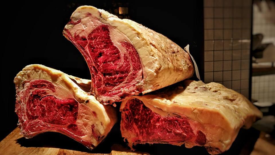 Piezas de carne de CarniCo
