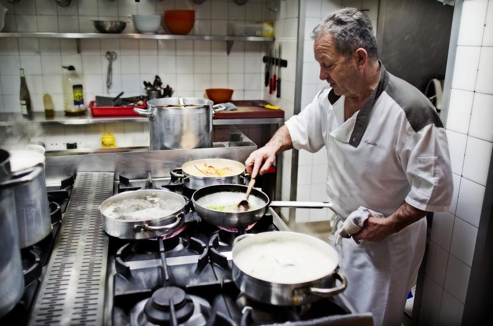 Restaurante de San Vicente de la Barquera: Augusto - cocinero Augusto- Foto cedida.