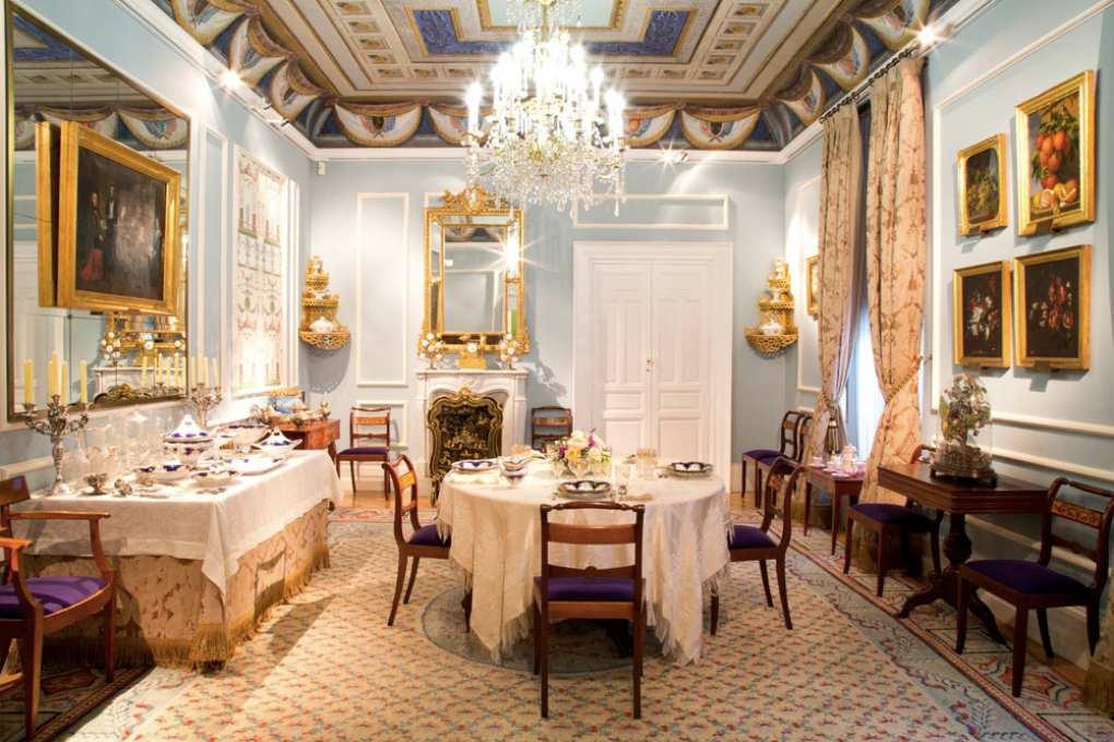 Un comedor del Museo del Romanticismo de Madrid