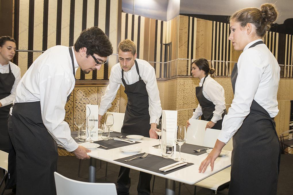 Camareros, jefes de sala de los mejores restaurantes | Guía Repsol