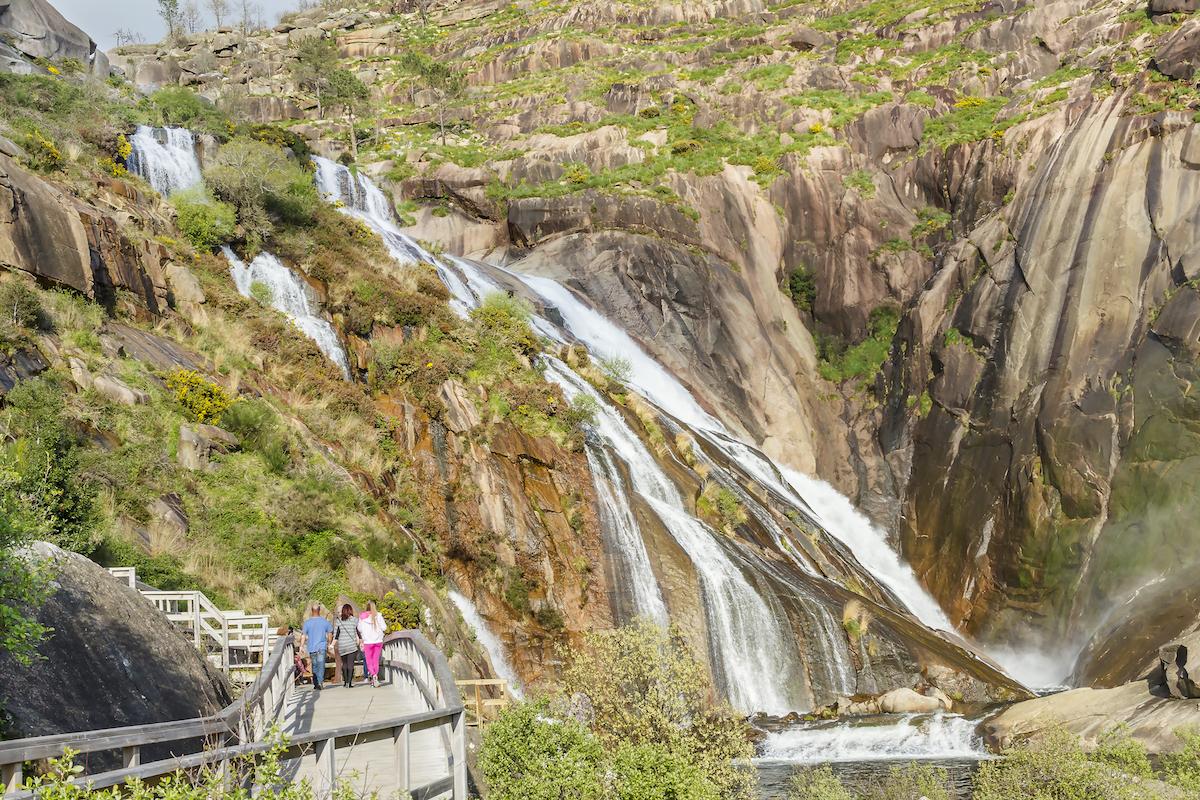 La cascada del Ézaro, del río Xallas, la única de Euopa que cae en el mar. Foto: Shutterstock