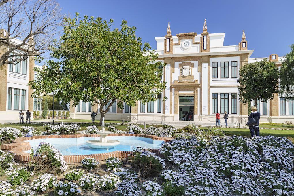 Fachada y jardines del Museo Ruso de San Petersburgo Málaga. Foto: Área de Turismo del Ayuntamiento de Málaga