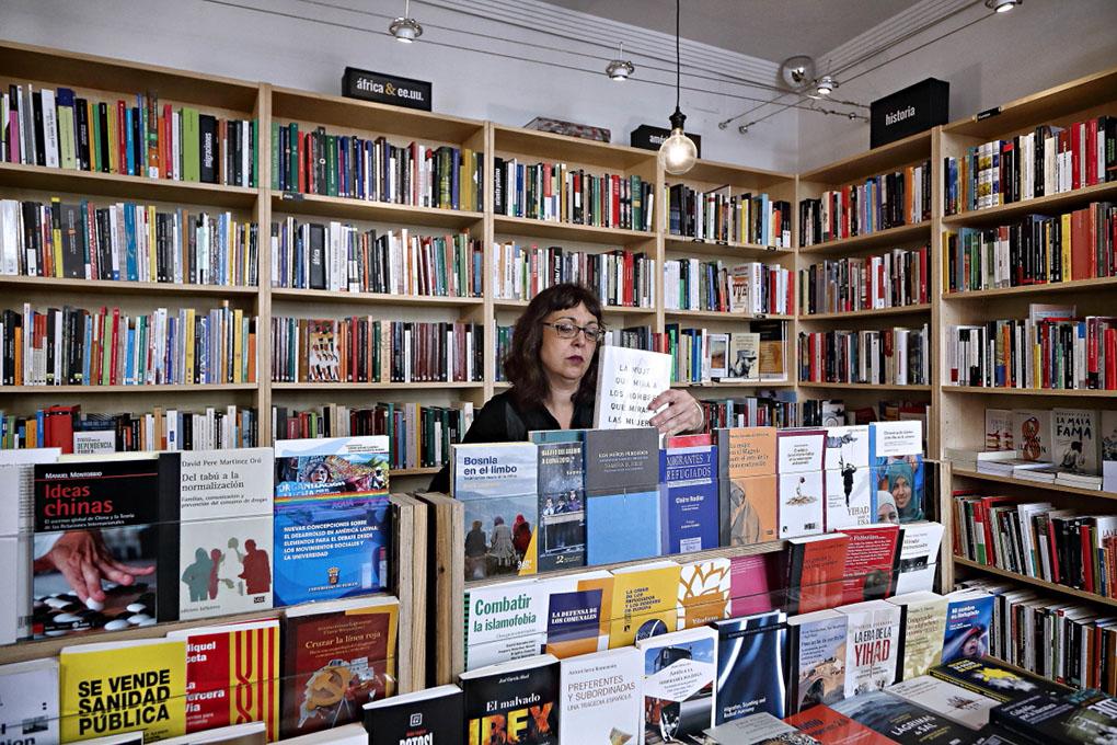 Librerías de Madrid: Interior de Traficantes de Sueños. Foto: Roberto Ranero