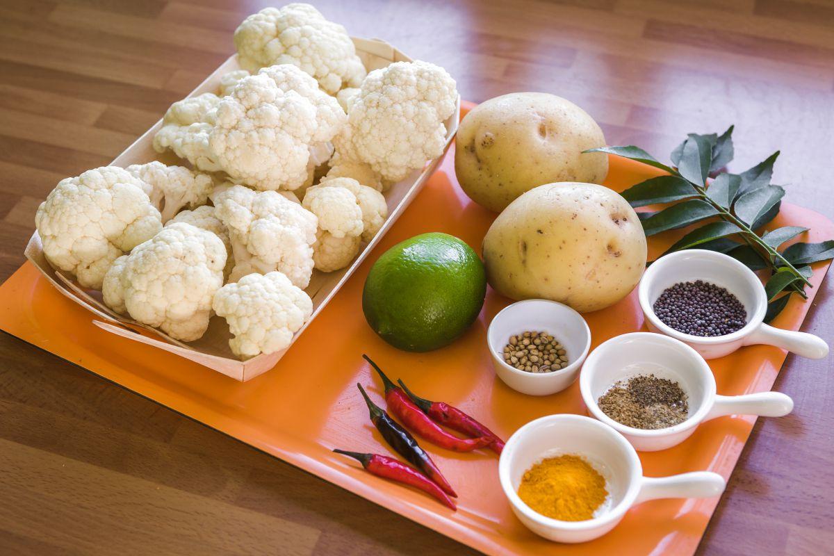 Ingredientes del Bahjí con coliflor. Foto: David de Luis